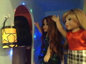 Dolls saying goodbye to friends